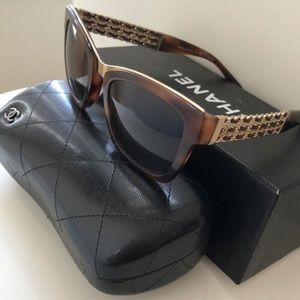 CHANEL 5362 Chain Sunglasses Brown